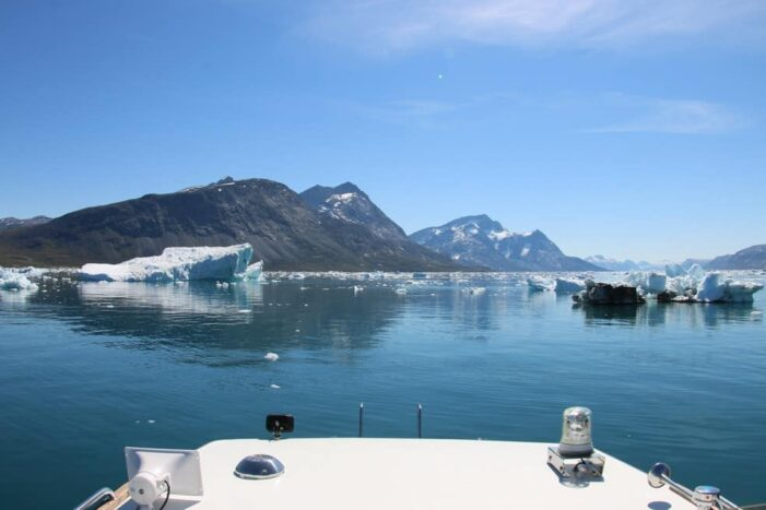Boat tour to Qooqqut settlement | Nuuk