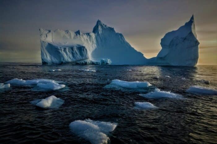Iceberg cruise & Ice cave exploring | Tasiilaq | East Greenland