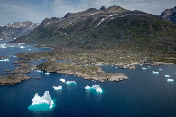 Icebergs and Summit View by Helicopter | Qaqortoq | South Greenland
