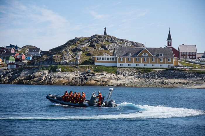 Betal Per time | Power Boat Charter I Nuuk