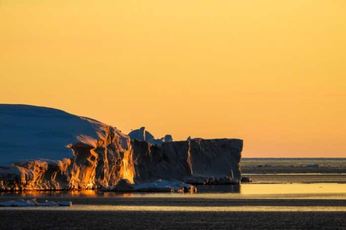 Private Midnight Sun Tour | Uummannaq | North Greenland