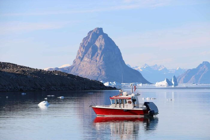 Private settlement tour to Ikerasak | Uummannaq | North Greenland