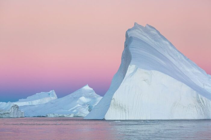 Icebergs, Inuit Settlements and Aurora Phototour | Ilulissat | 8 days
