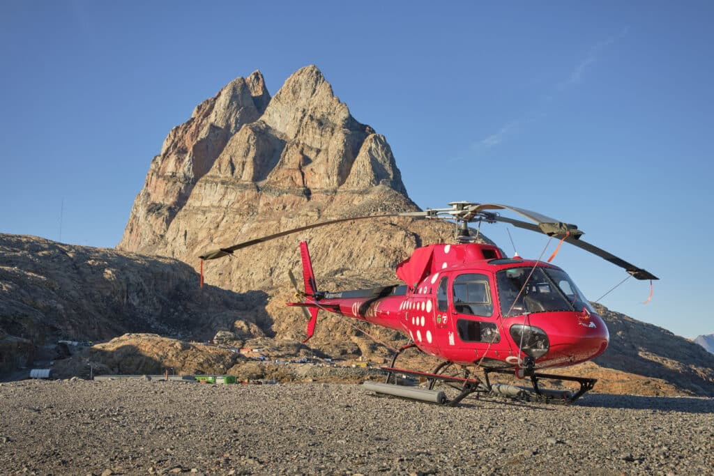 Uummannaq by helicopter