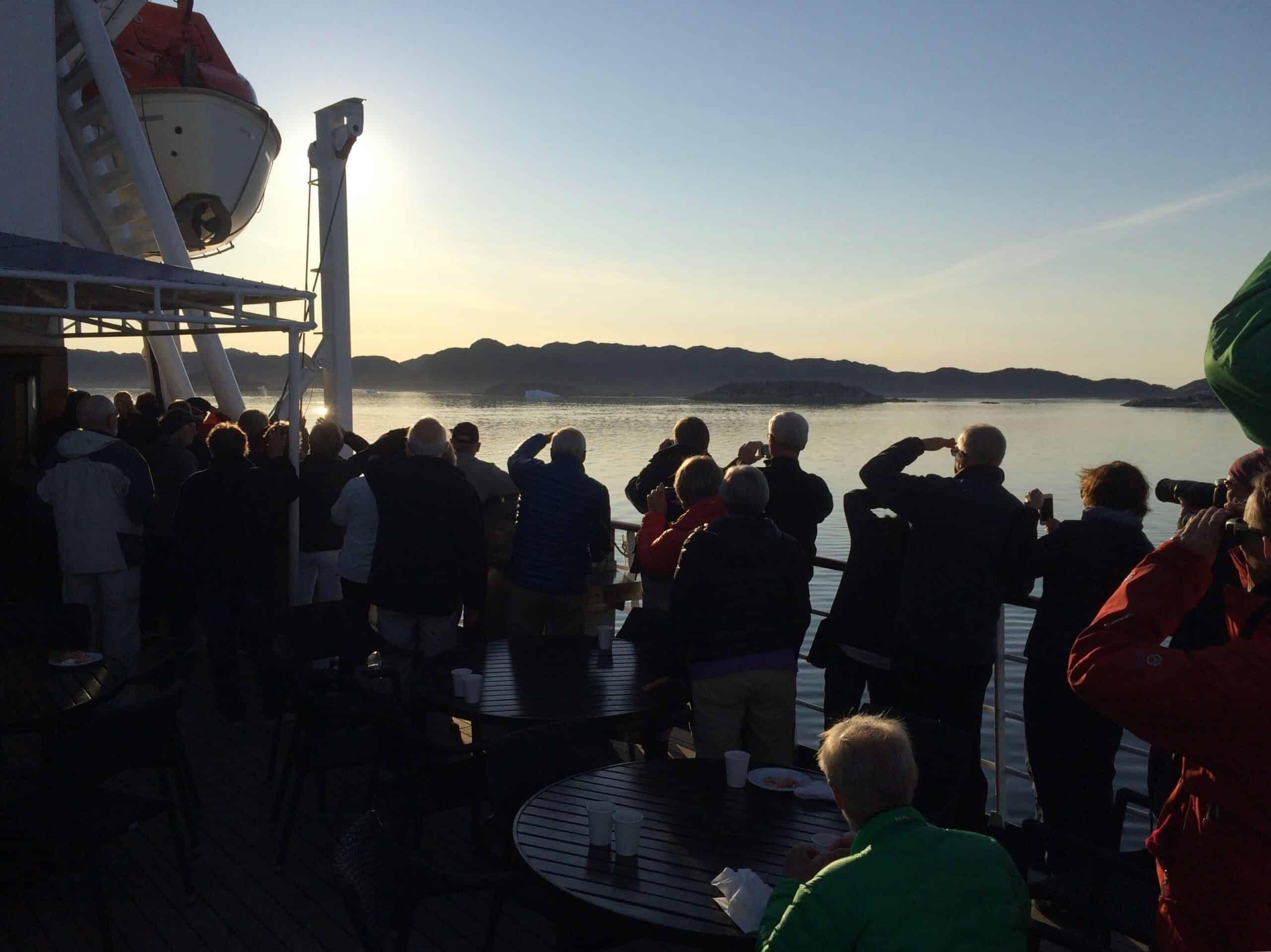 Cruise along the coast of Greenland