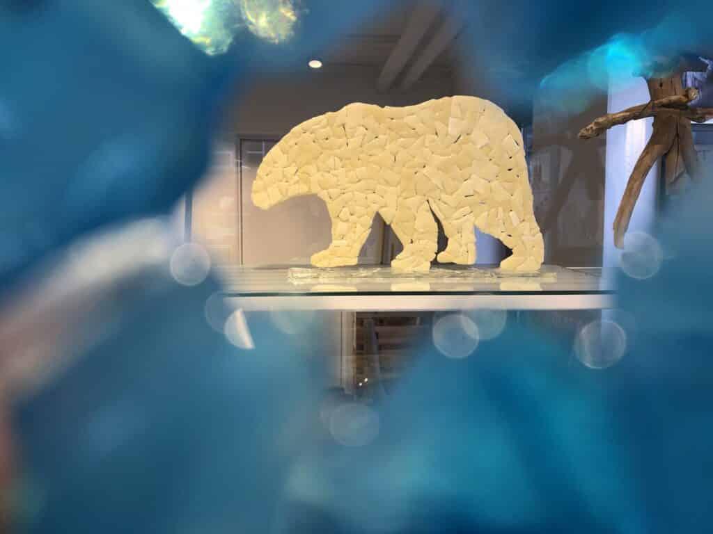 Polar bear art made by Dorit Olsen