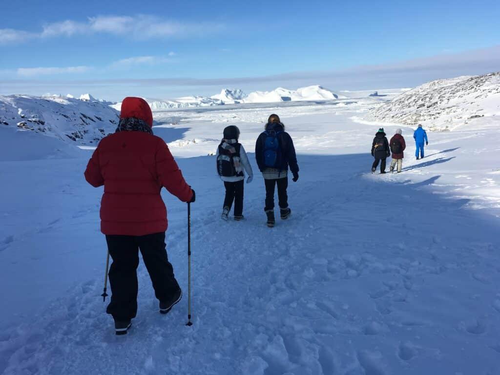 People walking trough the landskape