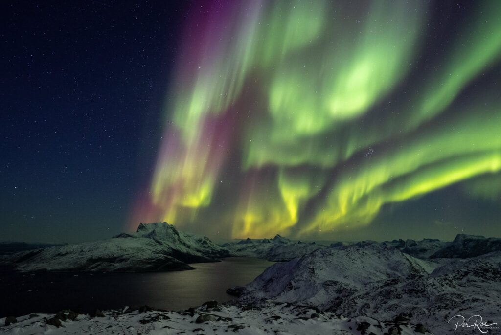 Northern lights over Sermitsiaq mountain