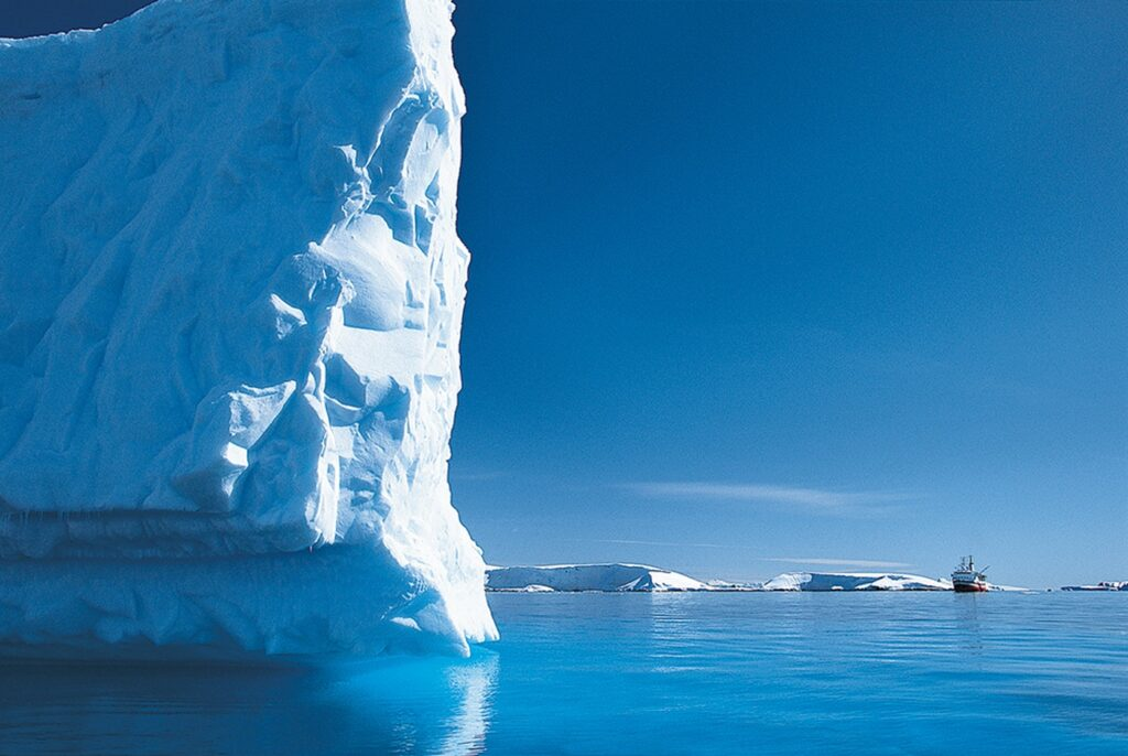 Enormous icebergs in Greenland