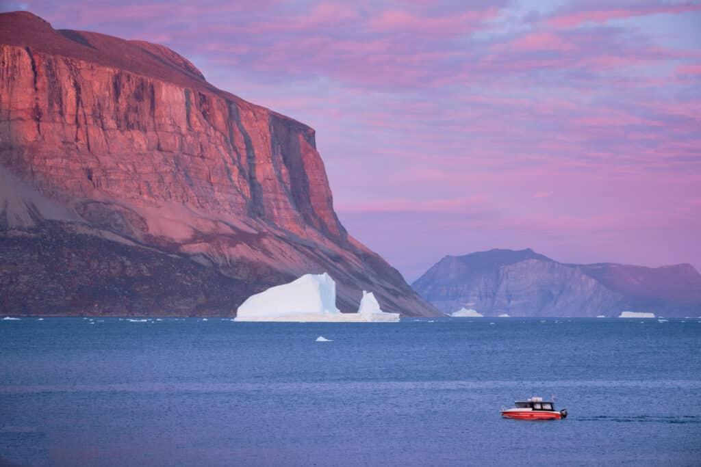 Uummannaq fjord sailing