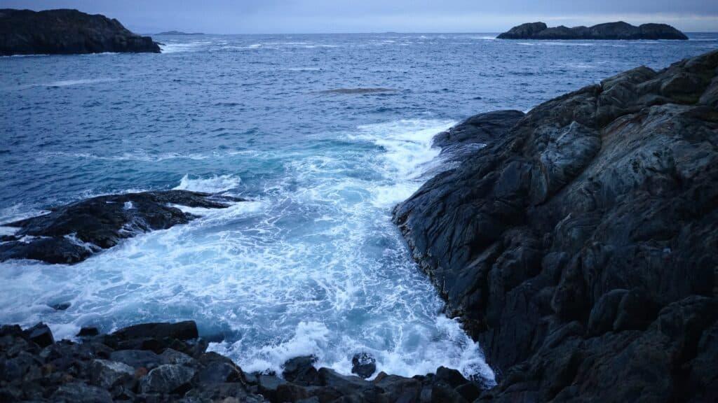 Waves roaring