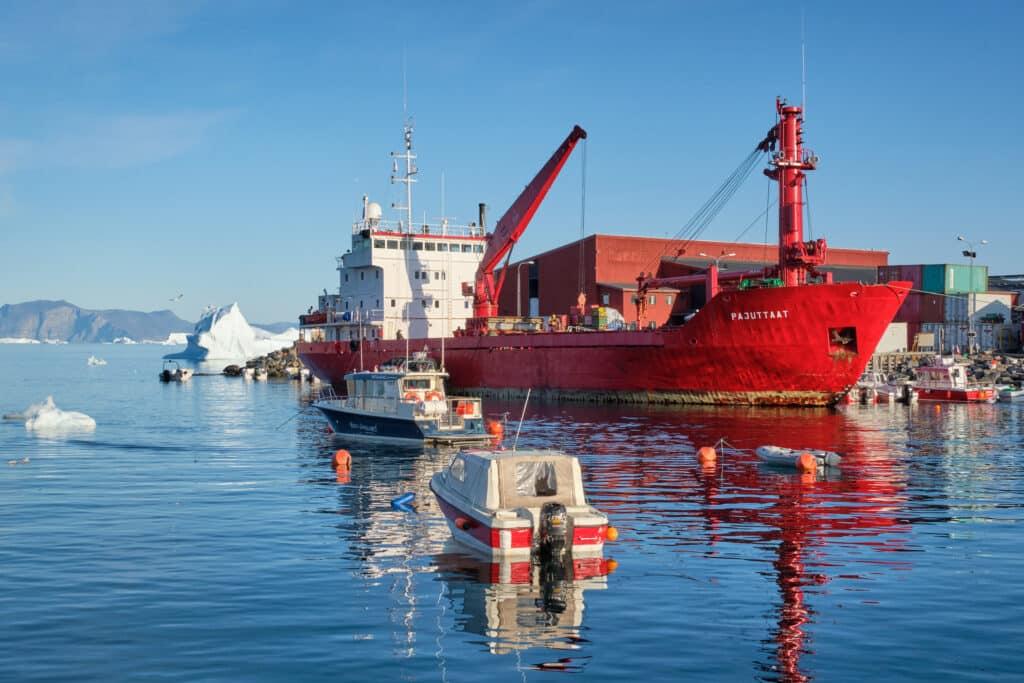 Uummannaq by ship