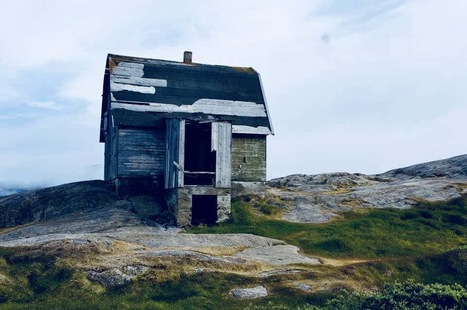 Small, abandoned hut in Greenland