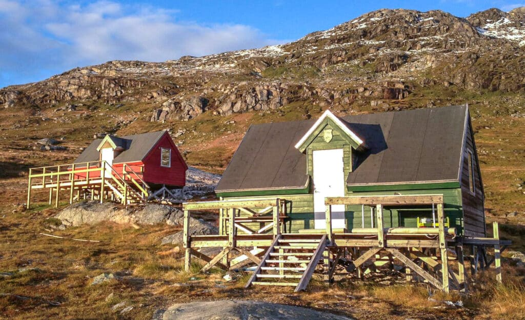 Cottage accommodation in the Nuuk Fjord, surrounded by nature