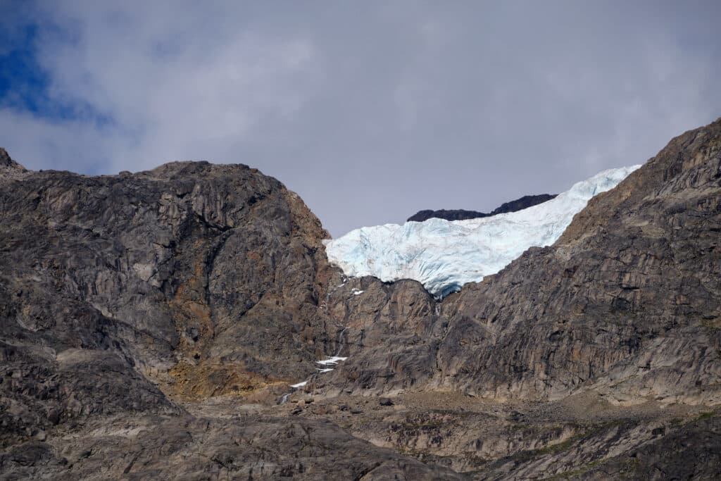 Hanging glacier in the Eternity Fjord near Maniitsoq - Guide to Greenland