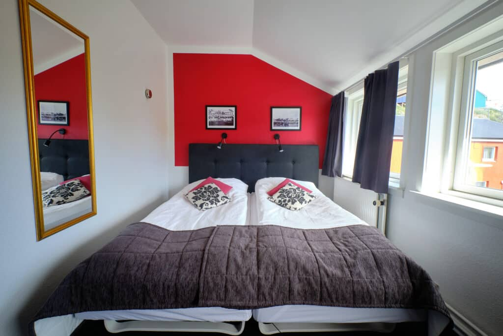 Room in Hotel Heilman Lyberth in Maniitsoq - Guide to Greenland
