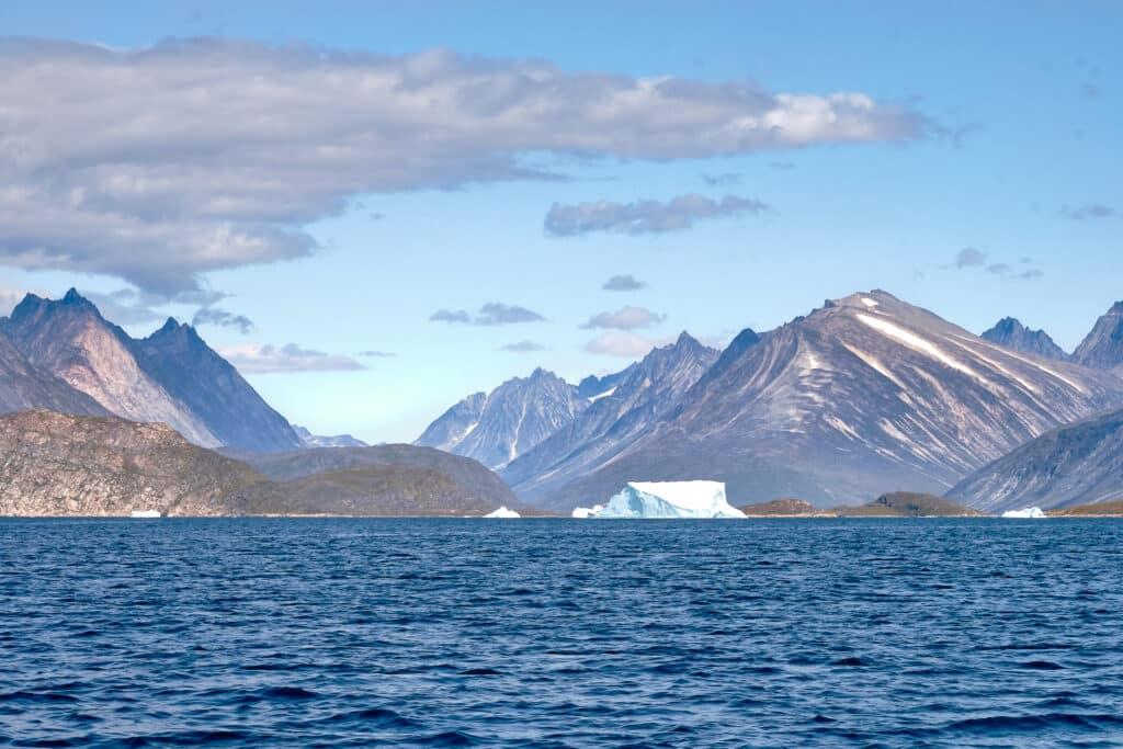 Approaching the island of Uunartoq near Qaqortoq