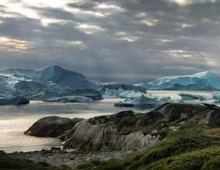 3-days-ilulissat-adventure-ilulissat-disko-bay-day-Guide to Greenland1