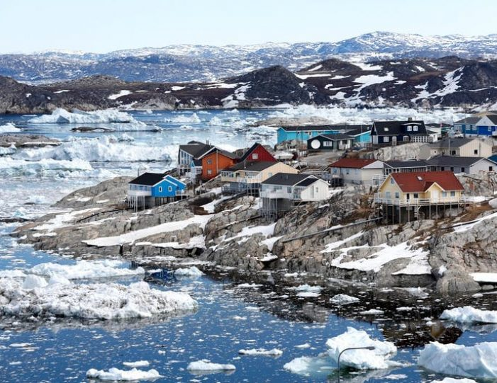 4-day-highlights-of-winter-ilulissat-disko-bay-Guide to Greenland12
