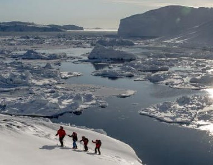 4-day-highlights-of-winter-ilulissat-disko-bay-Guide to Greenland14