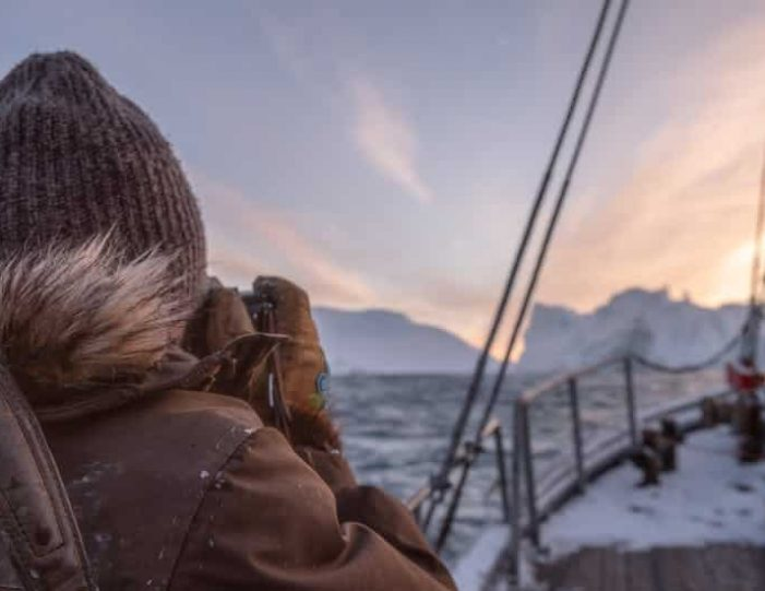 4-day-highlights-of-winter-ilulissat-disko-bay-Guide to Greenland3