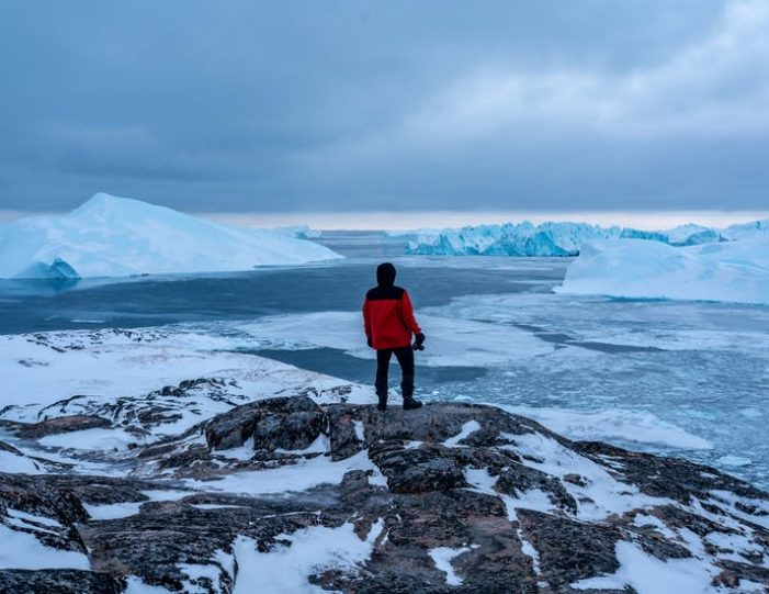 4-day-highlights-of-winter-ilulissat-disko-bay-Guide to Greenland5