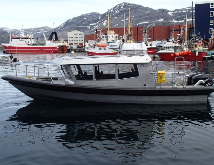 Boat charter Nuuk West Greenland - Guide to Greenland6