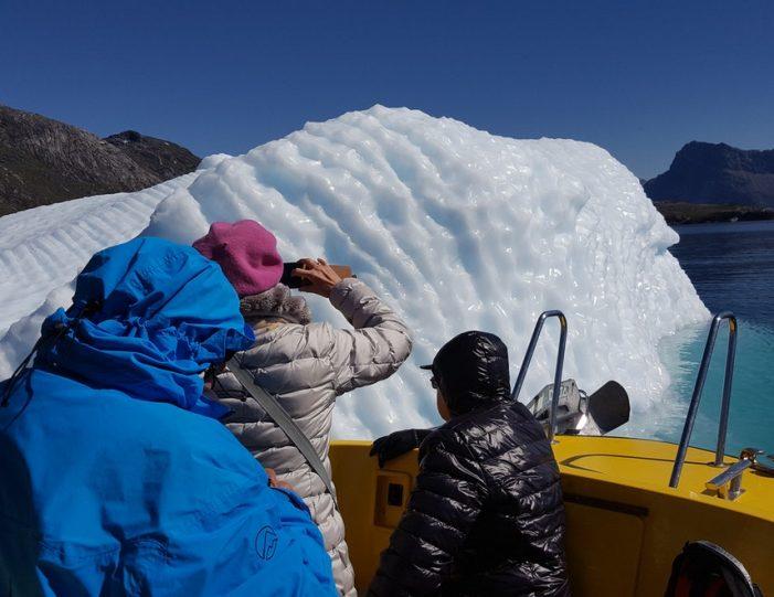 Boat charter | Open Boat | Qasigiannguit | Disko Bay-Guide to Greenland8