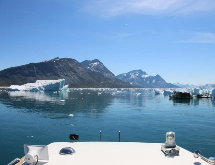 Boat tour to Qooqqut settlement Nuuk - Guide to Greenland4