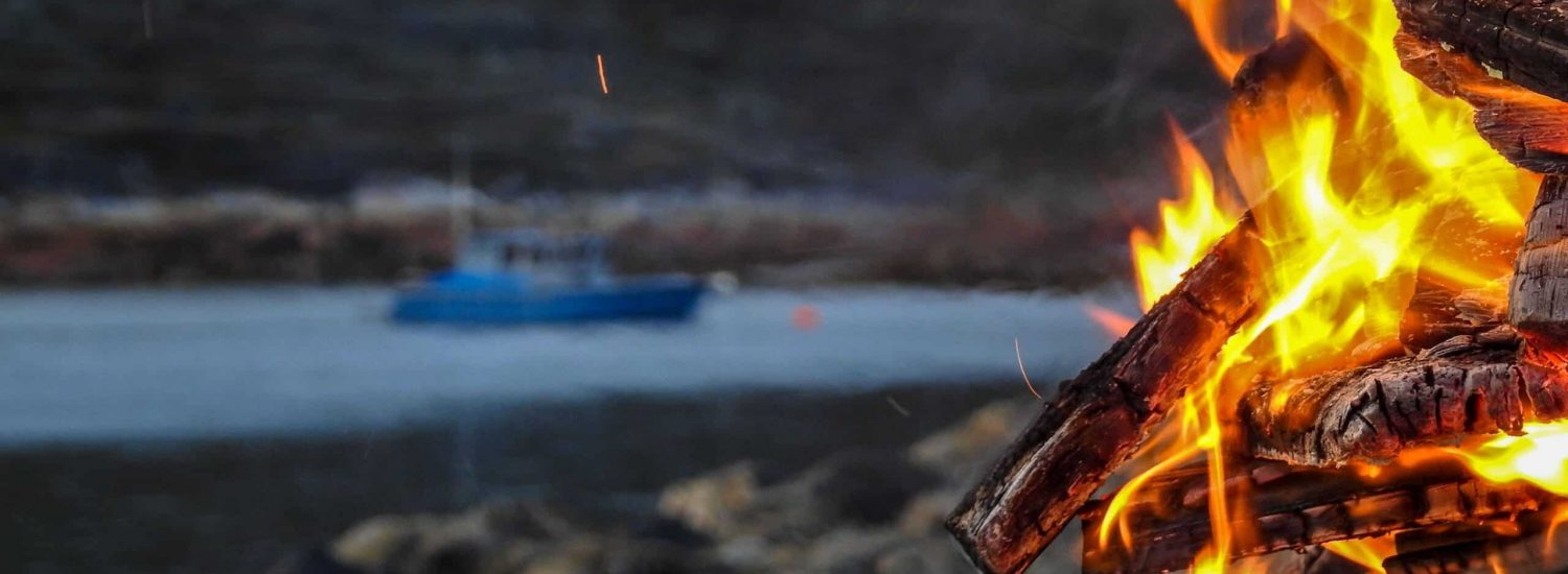Bonfire, fishing & sup boarding - Guide to Greenland4