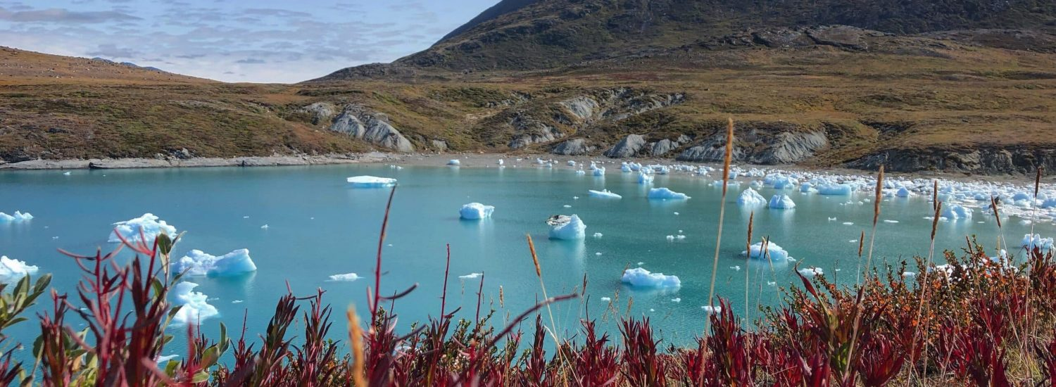 Colorful-trip-with-icebergs-in-Kapisillit-Guide-to-Greenland-Gabriela5