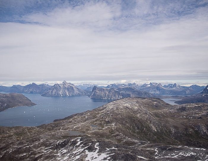 Helicopter tour to the icefjord Private charter tour Nuuk - Guide to Greenland3