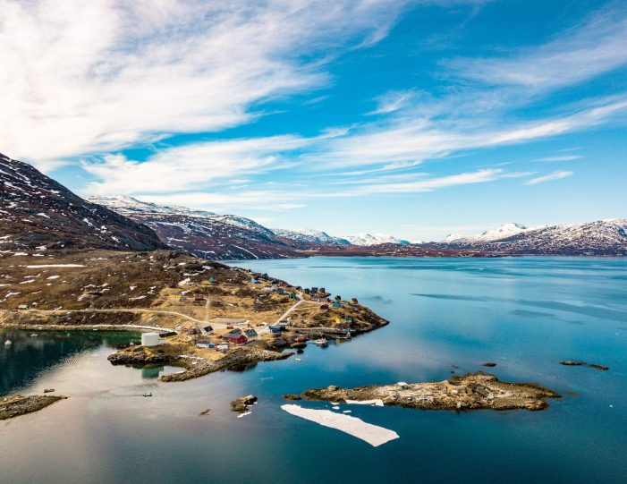Helicopter tour to the icefjord Private charter tour Nuuk - Guide to Greenland6