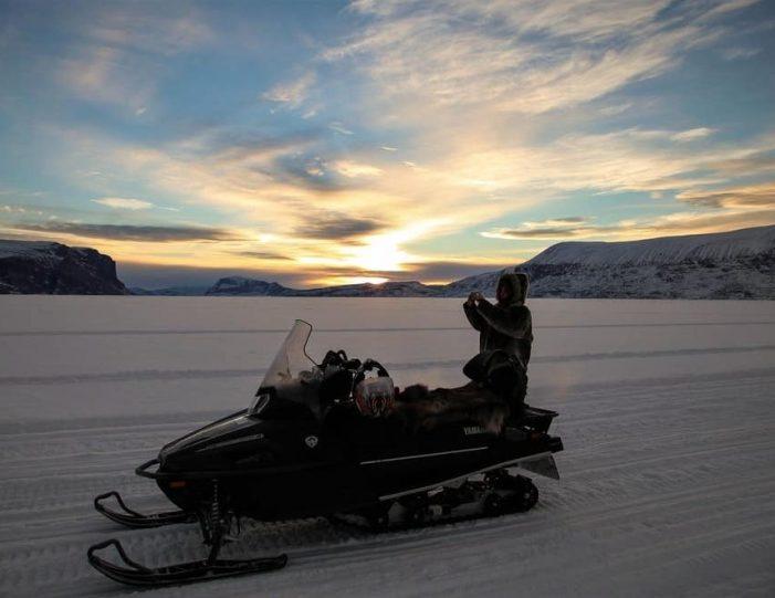 Ice fishing Uummannaq North Greenland - Guide to Greenland6
