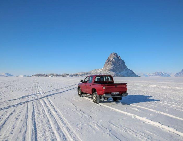 Ice fishing Uummannaq North Greenland - Guide to Greenland7