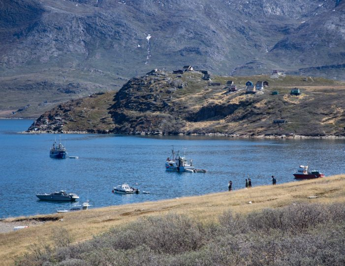 Icefiord hike and Settlement By The Icefjord Nuuk I Kapisillit . Guide to Greenland Nuuk fjord