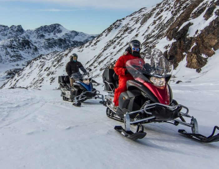Learn to ride a Snowmobile Sisimiut - Guide to Greenland3
