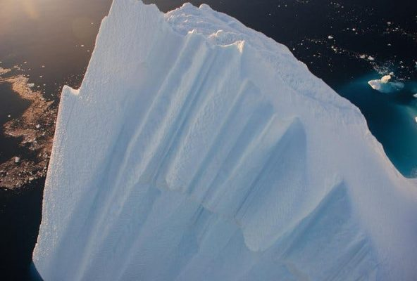 Melting-glaciers-in-greenland-Guide-to-Greenland4