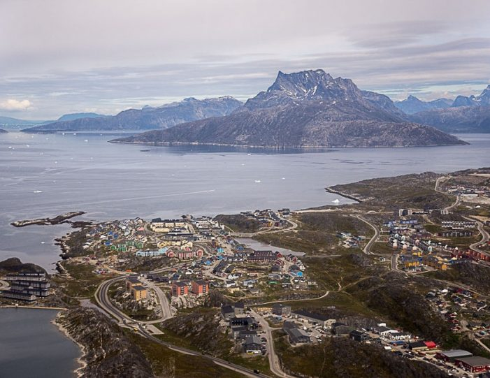 Scenic Flight Nuuk - Guide to Greenland6
