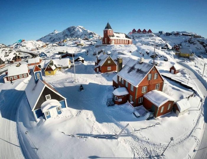 Sightseeing By Bus Sisimiut West Greenland - Guide to Greenland1
