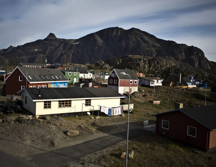 Sightseeing By Bus Sisimiut West Greenland - Guide to Greenland4