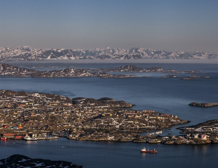 Sightseeing By Bus Sisimiut West Greenland - Guide to Greenland8