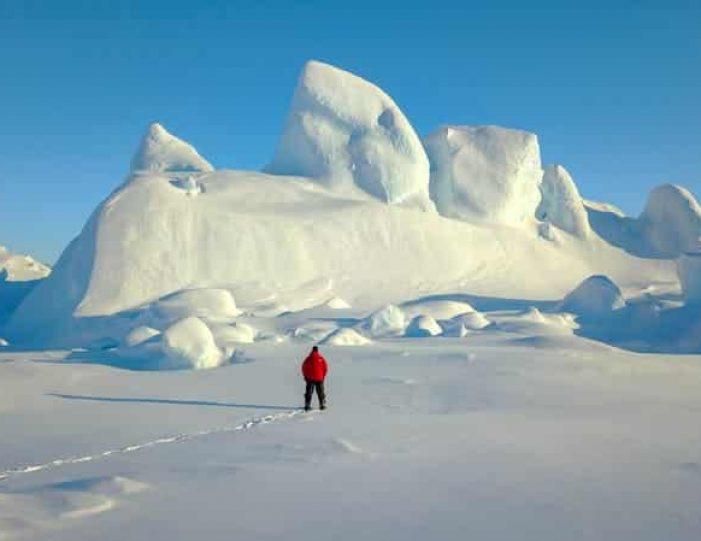 Snowmobile _ Snowshoe adventure Ilulissat Disko Bay - Guide to Greenland6