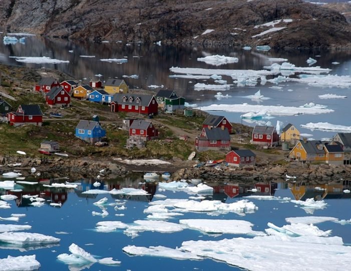 a-touch-of-greenland-kulusuk-east-greenland - Guide to Greenland10