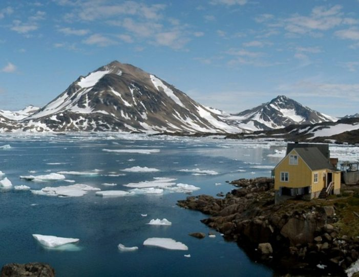 a-touch-of-greenland-kulusuk-east-greenland - Guide to Greenland6