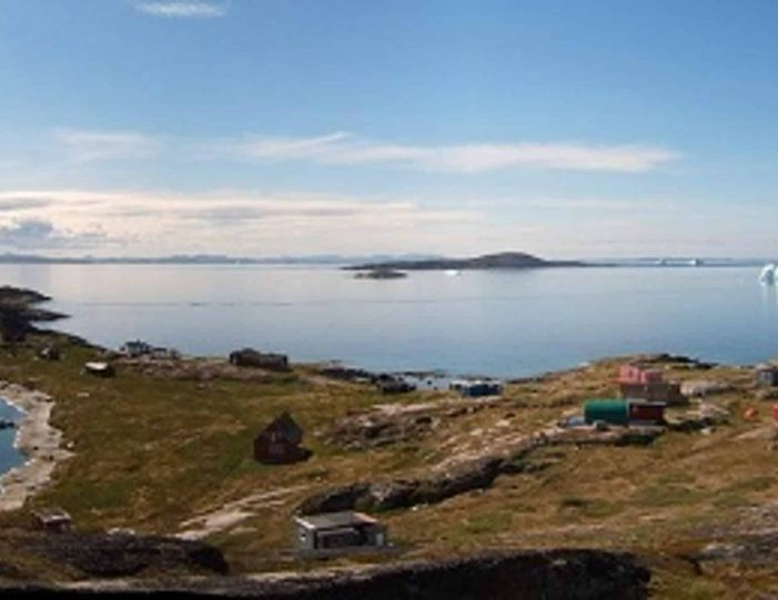 abandoned-settlement-experience-private-charter-qasigiannguit-disko-bay-Guide to Greenland2