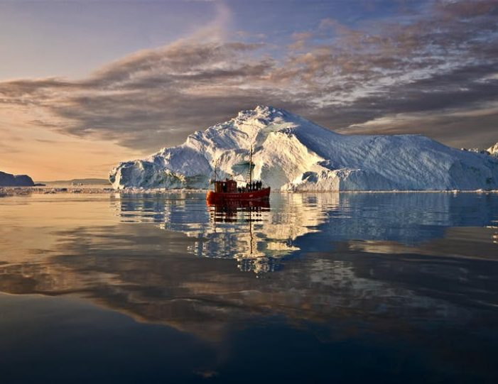 amazing-4-days-ilulissat-disko-bay - Guide to Greenland (1)