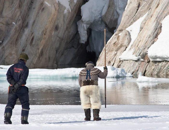 arctic-wildlife-safari-8-days-ittoqqortoormiit-east-greenland-Guide to Greenland36