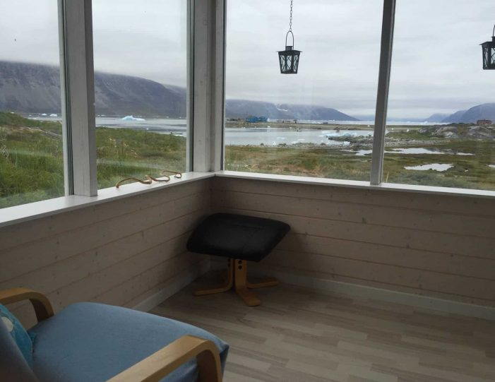 barbecuing-in-qoornoq-nuuk-west-greenland - Guide to Greenland5