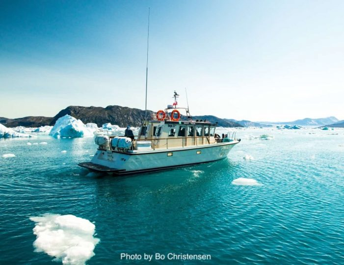 best-of-nuuk-in-3-days-west-greenland-Guide to Greenland3